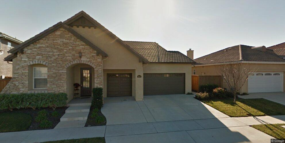 614 Monterey Rd, Santa Maria, CA 93455