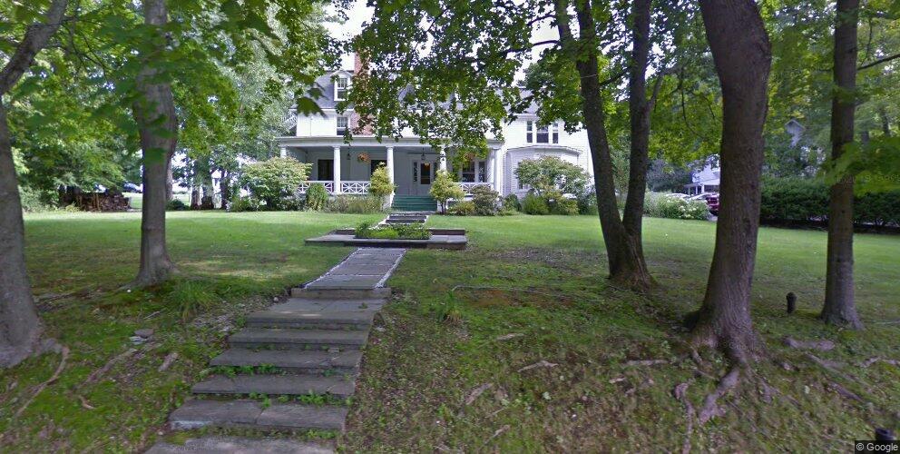7 Hubbard St, Lenox, MA 01240