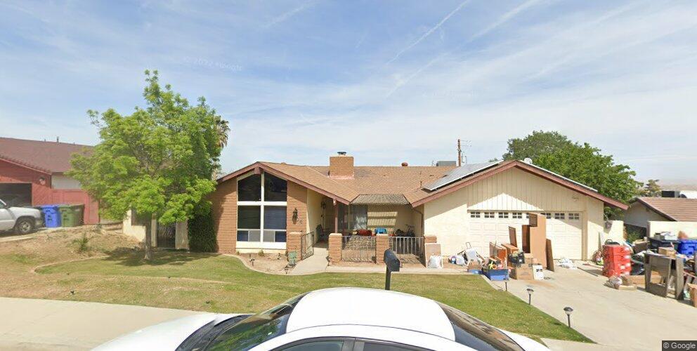 704 Vista Via Dr, Taft, CA 93268