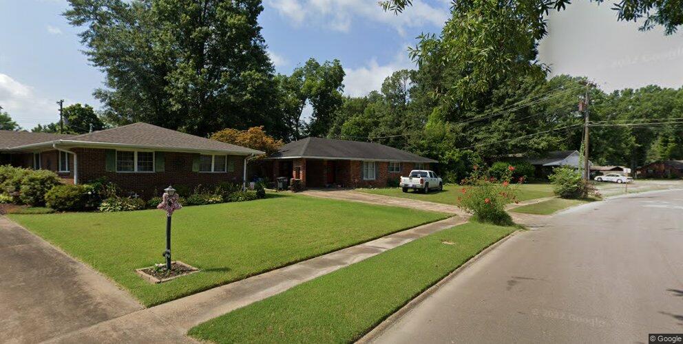 706 Pryor Dr, West Memphis, AR 72301
