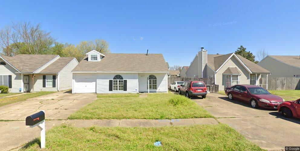 707 Redbud Dr, West Memphis, AR 72301