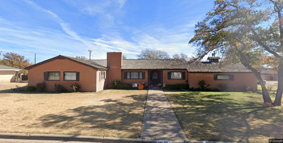 71 Travis Rd, Tulia, TX 79088