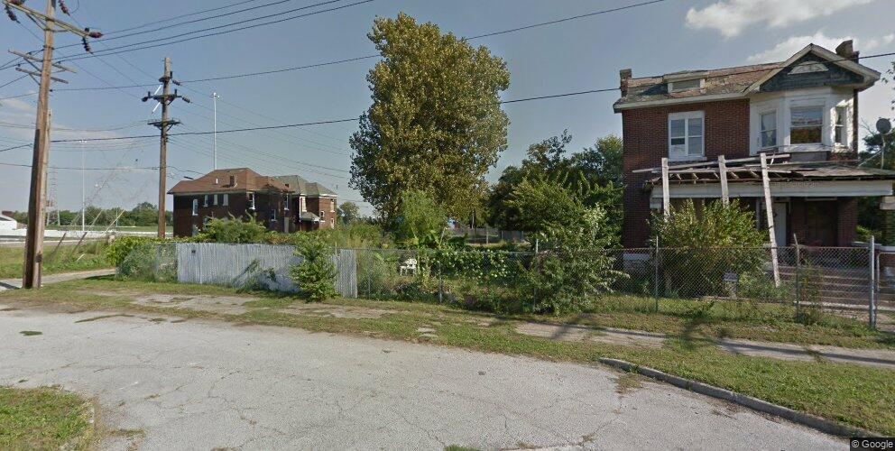736 N 7th St, East Saint Louis, IL 62201