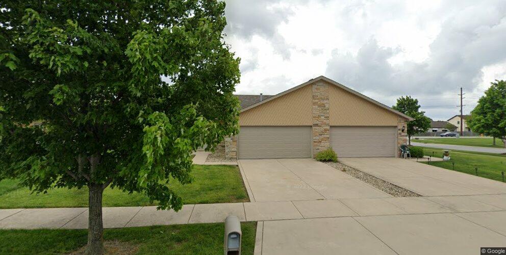 8683 Fillmore Pl, Merrillville, IN 46410