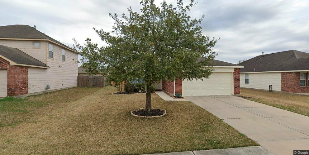 8718 Sunset Pond Dr, Tomball, TX 77375