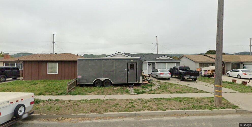 912 W College Ave, Lompoc, CA 93436