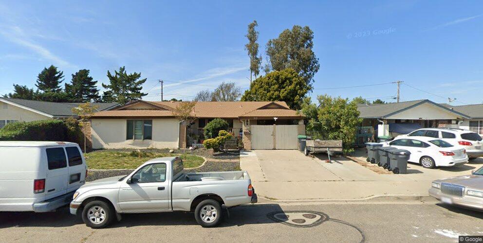 913 E Bush Ave, Lompoc, CA 93436