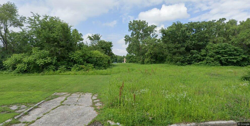 920 Winstanley Ave, East Saint Louis, IL 62201