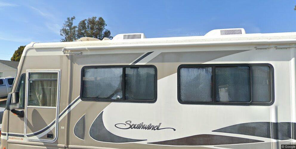 921 E Bush Ave, Lompoc, CA 93436