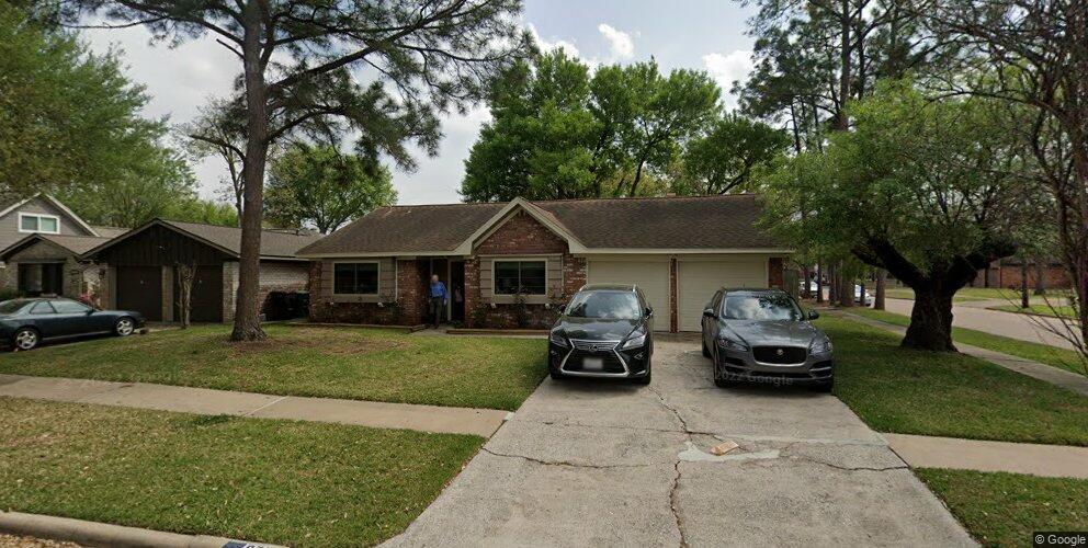 9739 Blankenship Dr, Houston, TX 77080