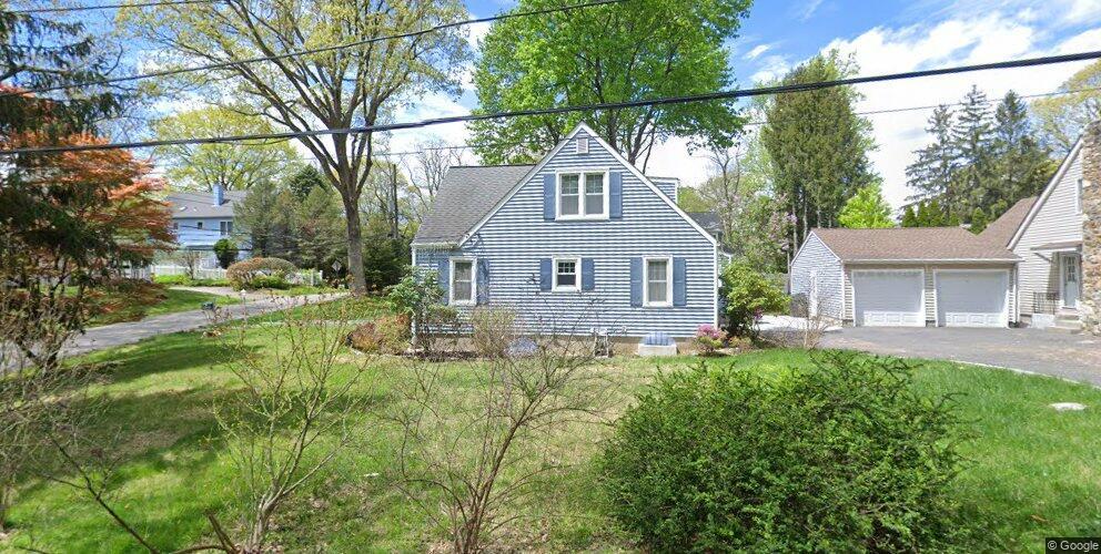 Birch Dr, Pleasantville, NY 10570