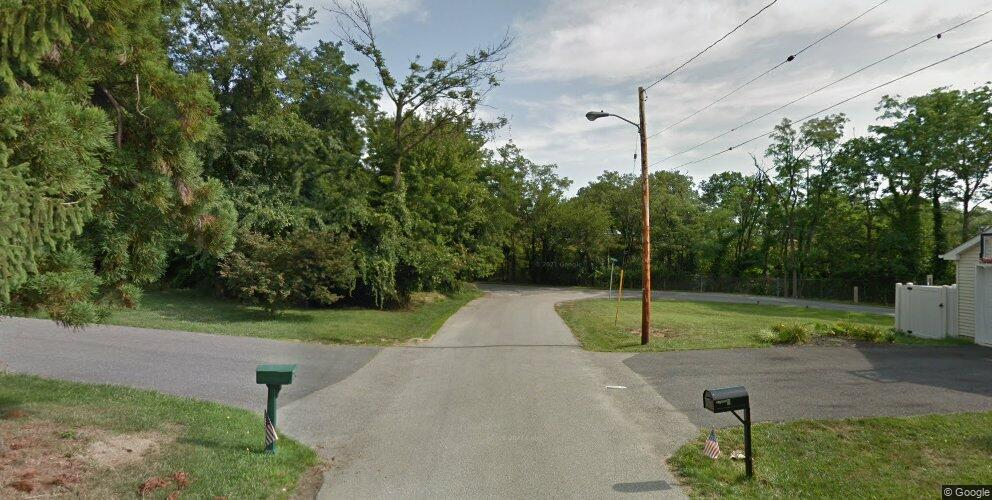 Dorchester Rd, Catonsville, MD 21228
